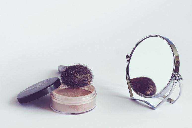 cosmetics-1543271_960_720.jpg
